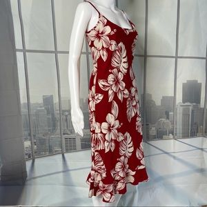 Waikiki Hawaiian White Hibiscus on Red Shift Dress
